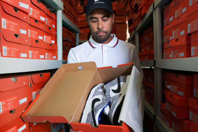 Eric Koston is an OG skae icon and so is the Supreme x Nike SB Dunk Low.