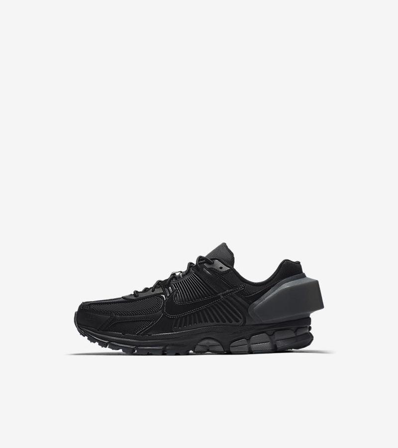 0e514a9886d A–COLD–WALL x Nike Zoom Vomero 5  Black