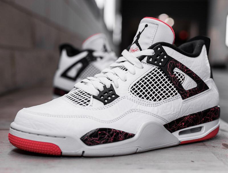 Air Jordan 4 Makes \