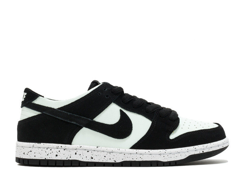 "Nike SB Dunk Low ""Black/Barely Green"""