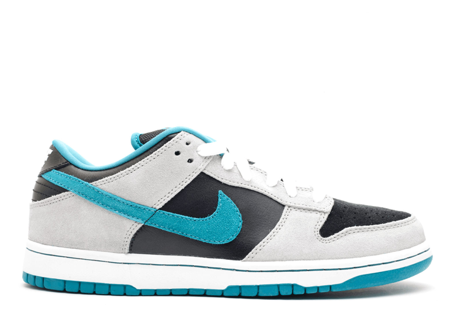 "Nike SB Dunk Low ""Chrome Ball Incident"""