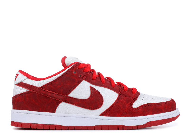 "Nike SB Dunk Low ""Valentine's Day"""