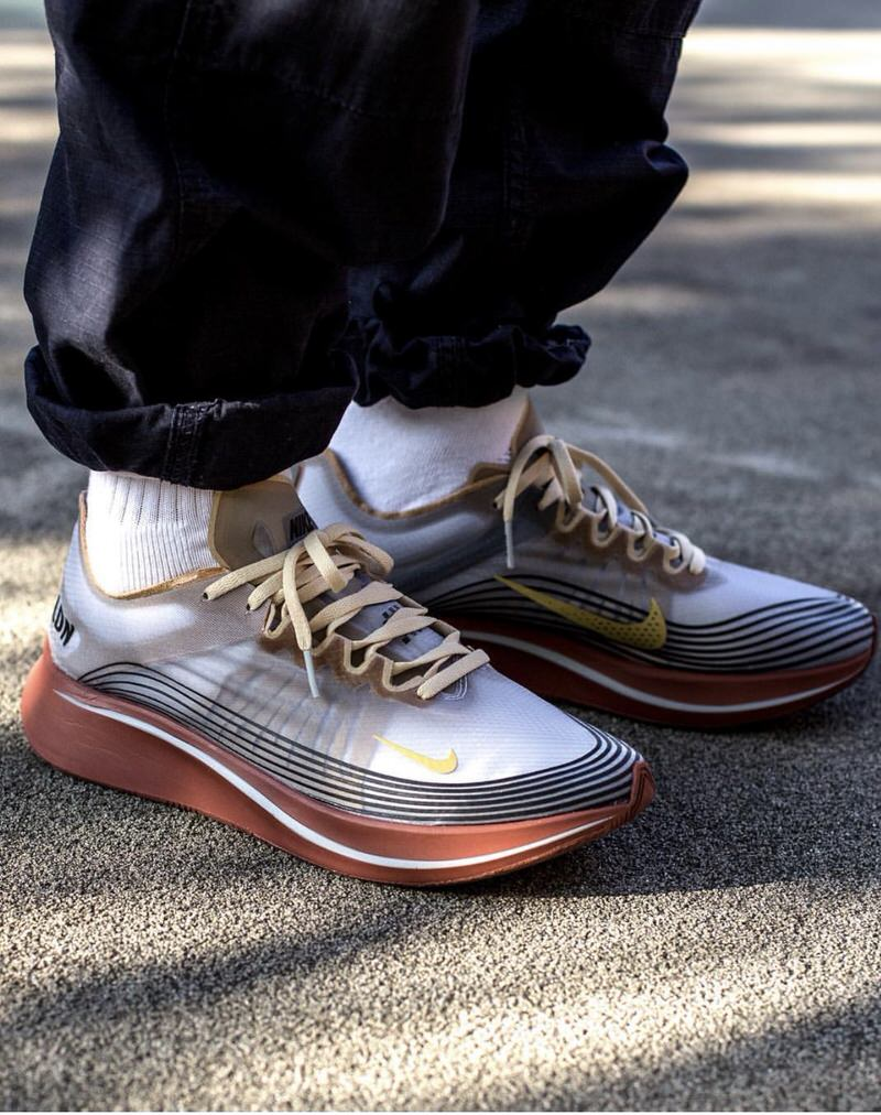 Aviation pants with a drawcord at the hem makes it easy to customize the styling of Zoom Fly SPs.