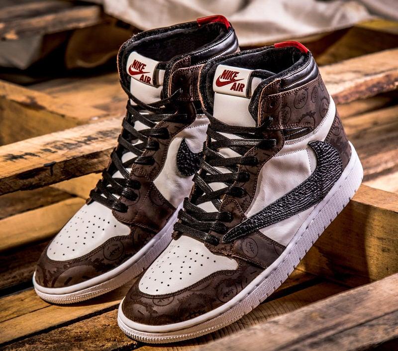 corazón perdido Cuervo acantilado  Travis Scott x Air Jordan 1 Transforms Into Luxury Masterpiece ...