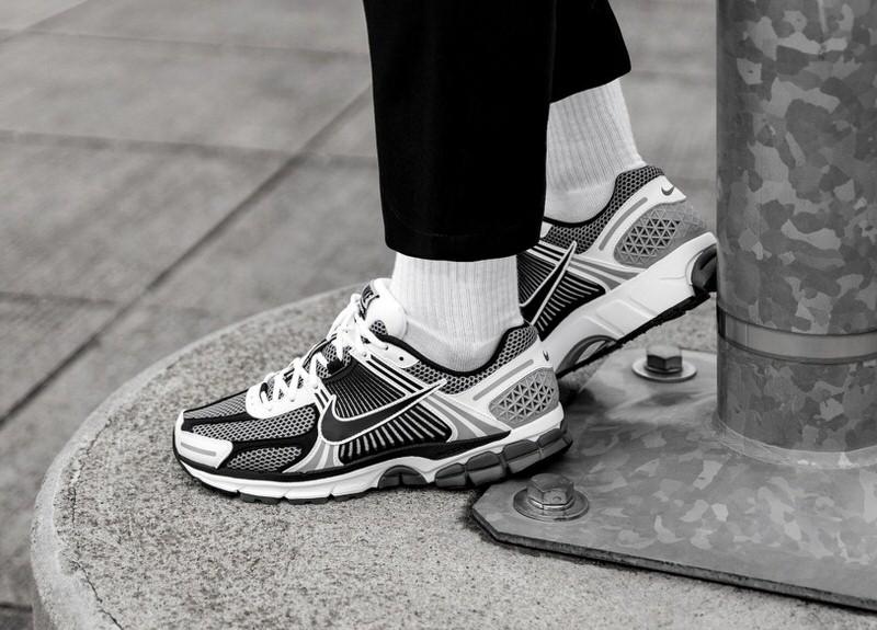 Nike Zoom Vomero 5 - Asphalt Gold
