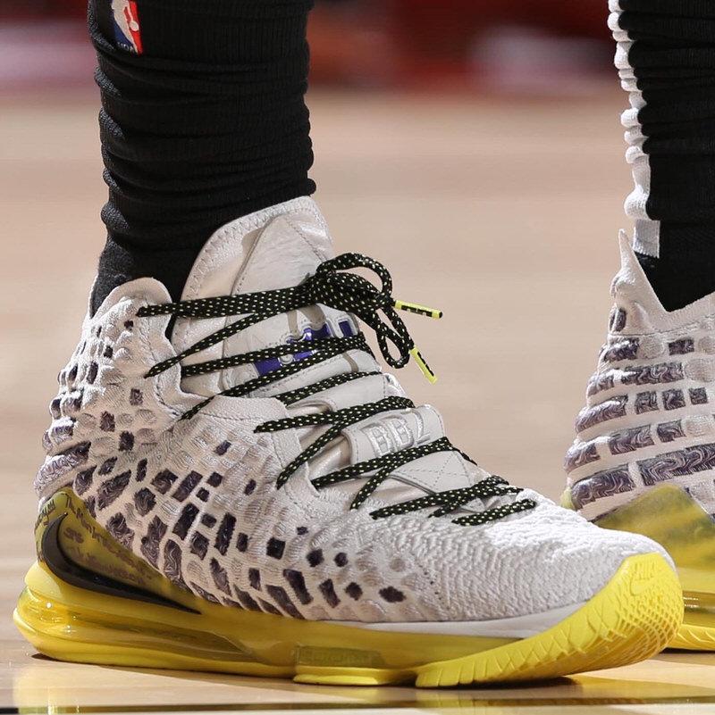 The King Passes Kobe Bryant on NBA All,Time Scoring List