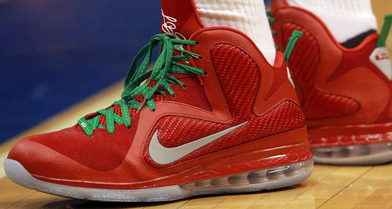 10 Christmas Day Sneakers