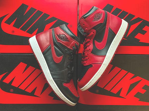 "Air Jordan 1 ""Bred"" vs. Air Jordan 1 ""Varsity Red"""