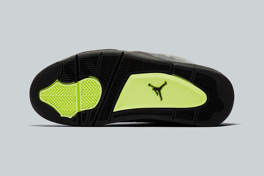 air-jordan-4-retro-se-neon-cool-grey-volt-wolf-grey-anthracite-CT5342-007-release-date-05