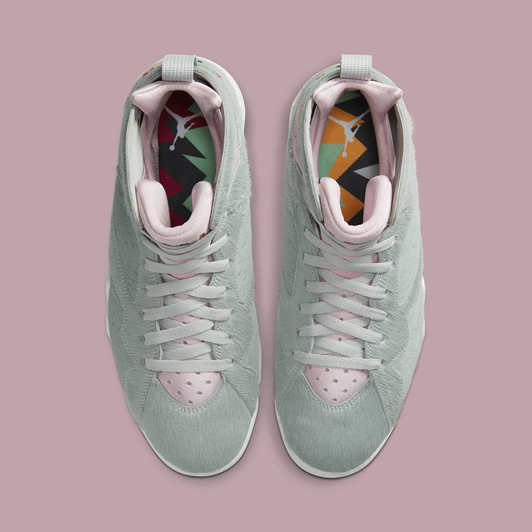 air-jordan-7-retro-hare-2-bugs-bunny-neutral-grey-summit-white-pink-foam-CT8529-002-release-date-03