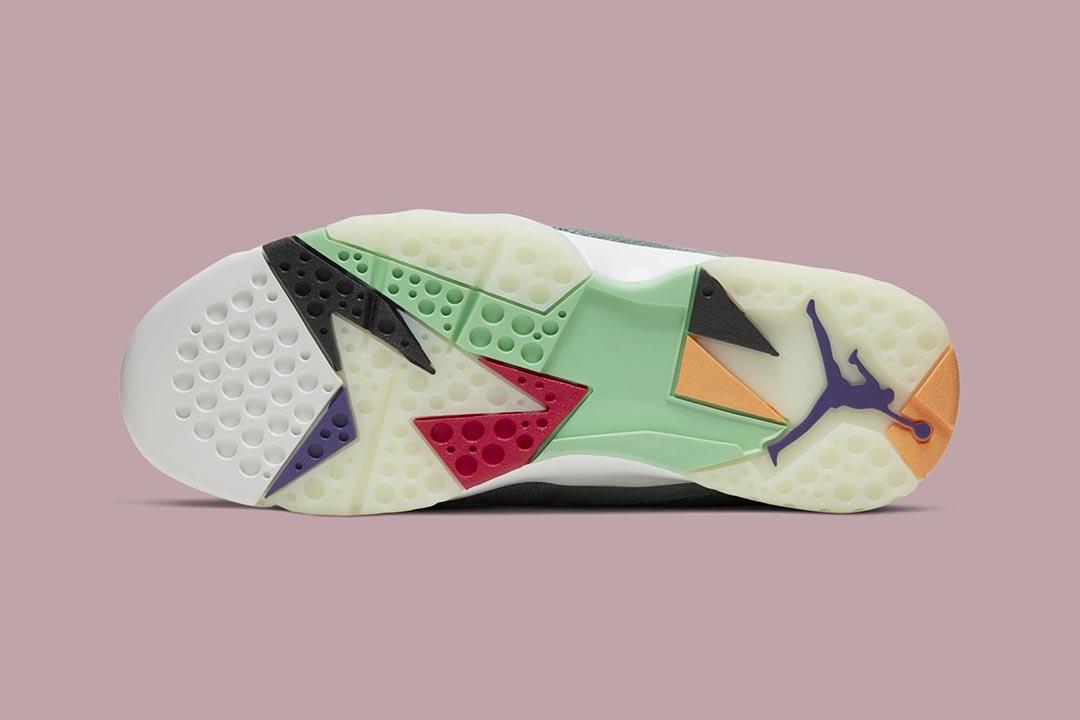 air-jordan-7-retro-hare-2-bugs-bunny-neutral-grey-summit-white-pink-foam-CT8529-002-release-date-05