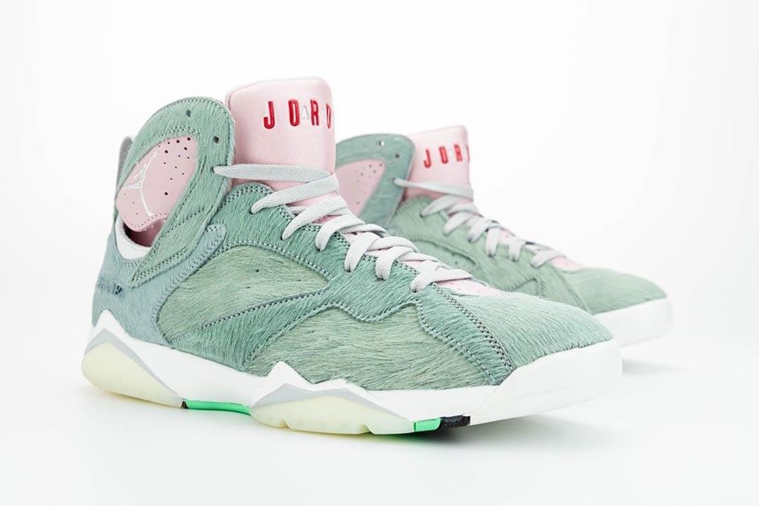 air-jordan-7-retro-hare-2-bugs-bunny-neutral-grey-summit-white-pink-foam-CT8529-002-release-date-09