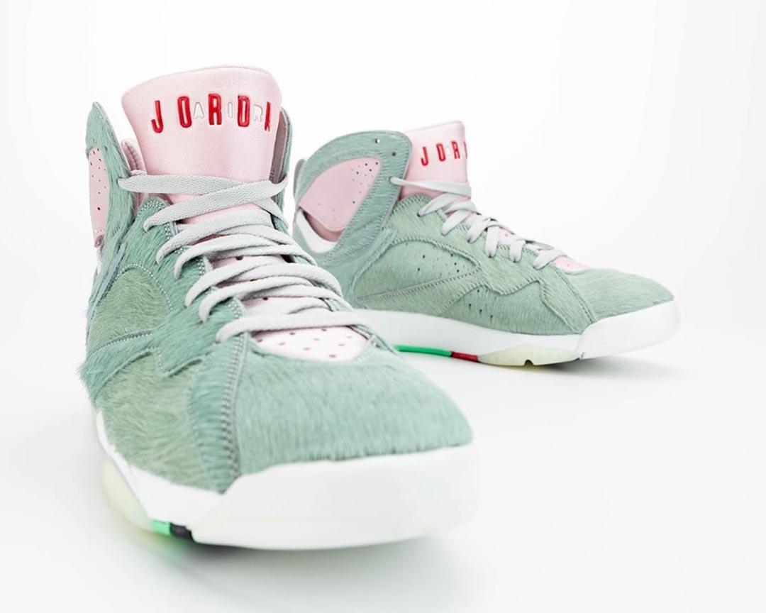 air-jordan-7-retro-hare-2-bugs-bunny-neutral-grey-summit-white-pink-foam-CT8529-002-release-date-10