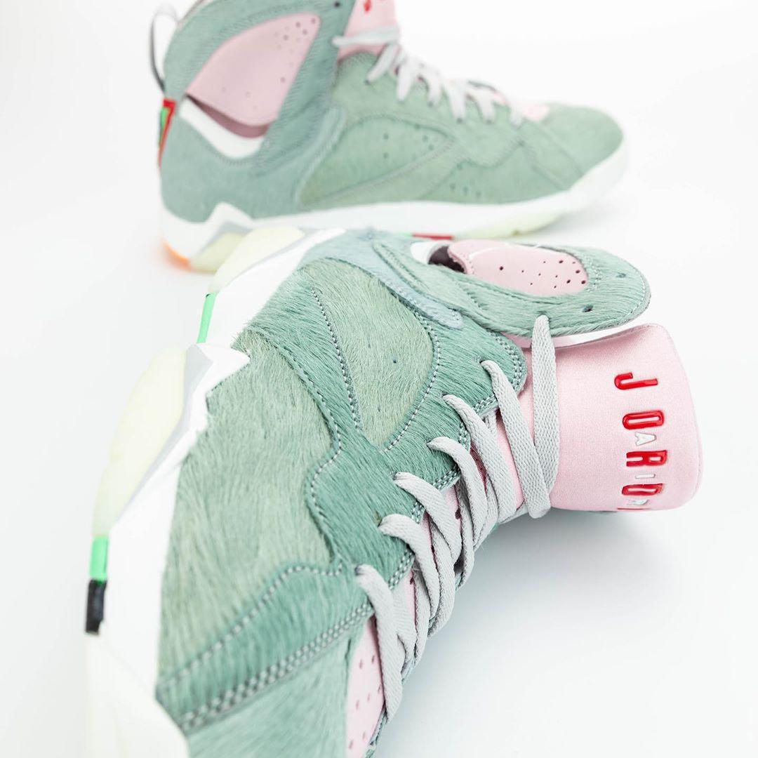air-jordan-7-retro-hare-2-bugs-bunny-neutral-grey-summit-white-pink-foam-CT8529-002-release-date-14