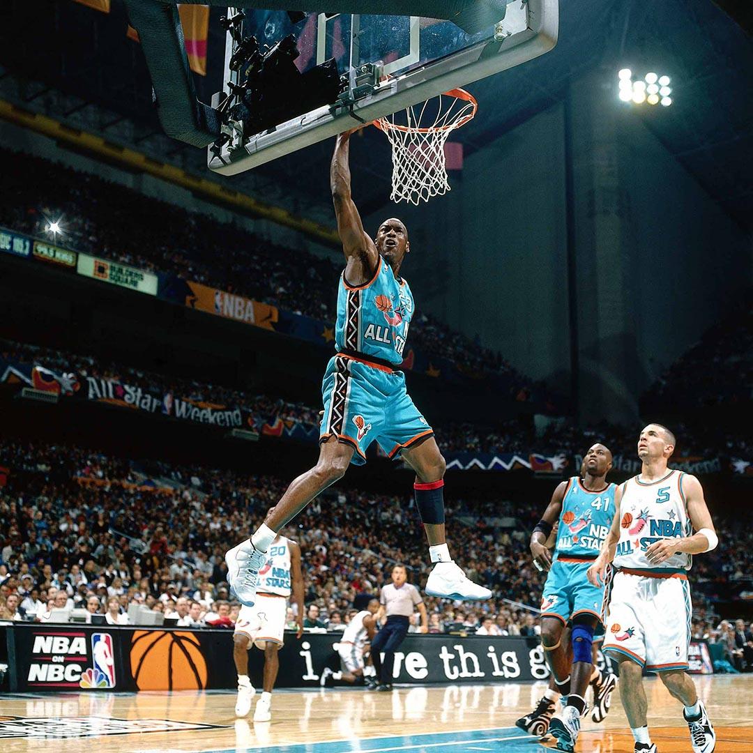 Air Jordan 11 Retro Low 'Legend Blue'