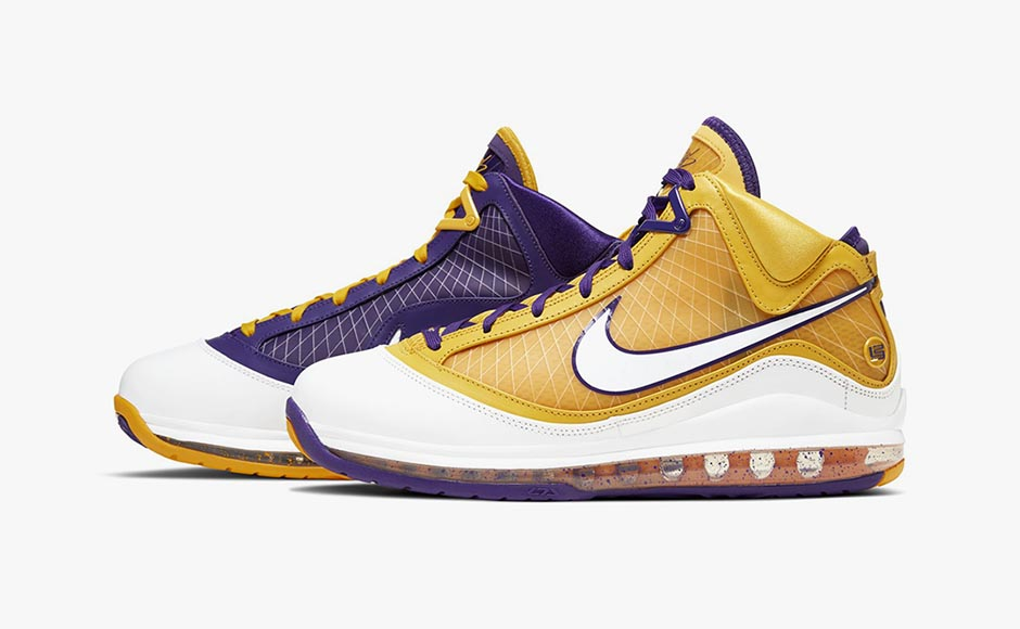24-nike-lebron-7-vii-qs-media-day-lakers-CW2300-500