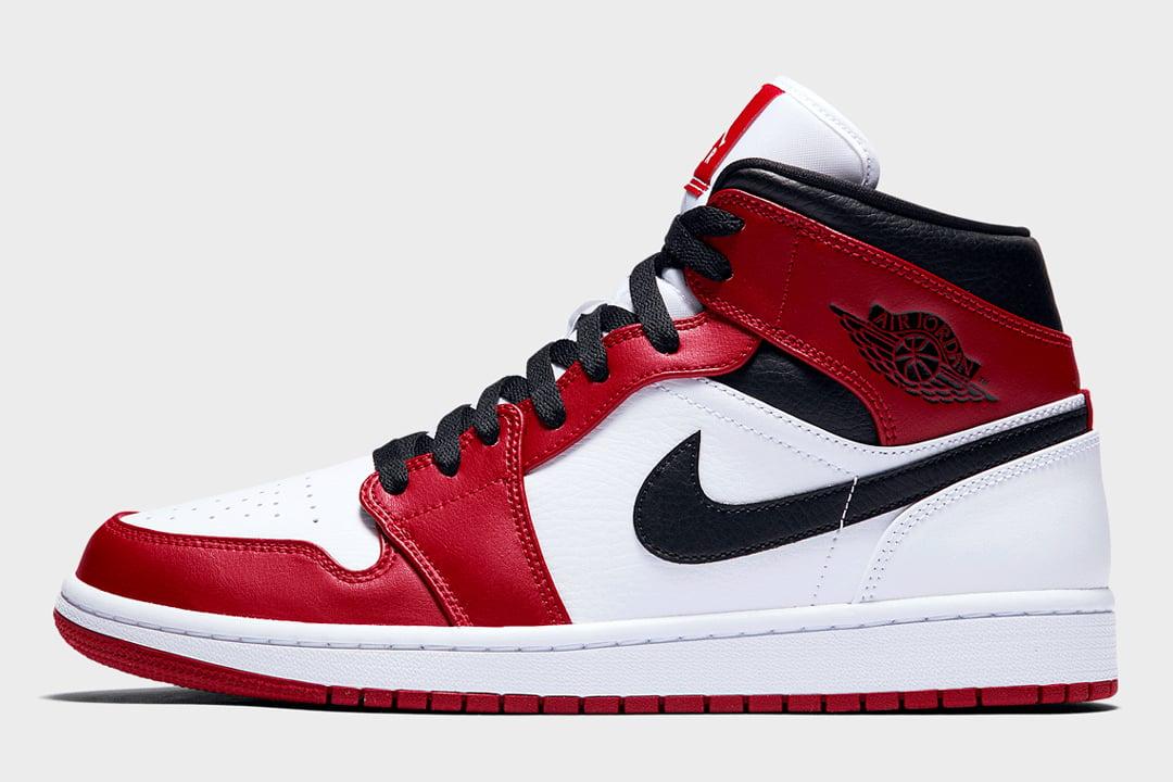 "Air Jordan 1 Mid ""Chicago"" 554724-173"
