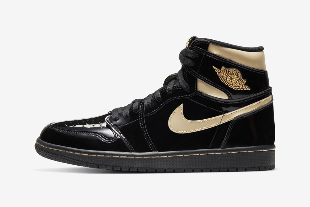 2020-air-jordan-1-retro-high-og-black-metallic-gold-555088-032