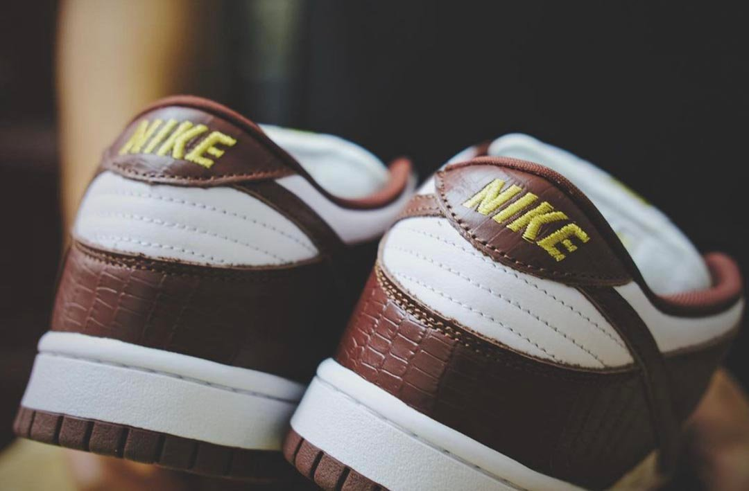 supreme-nike-sb-dunk-low-brown-stars-barkroot-brown-dh3228-103-release-date