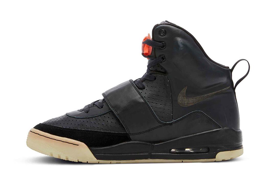 Kanye West Grammy Worn Nike Air Yeezy 1 Prototype 00