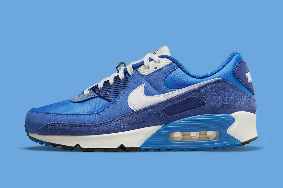 "Nike Air Max 90 ""Signal Blue"" DB0636-400"