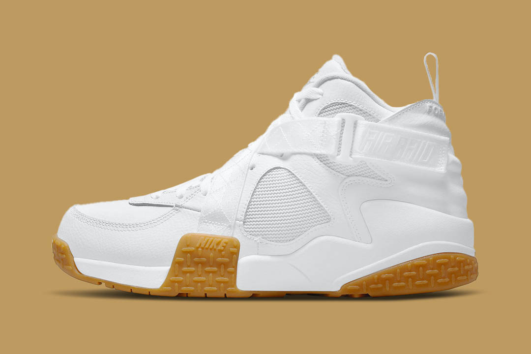 "Nike Air Raid ""White Gum"" DJ5974-100"
