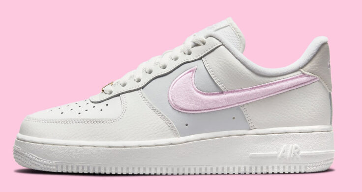 """Nike Air Force 1 Low """"Chenille Swoosh"""" DQ0826-100"""