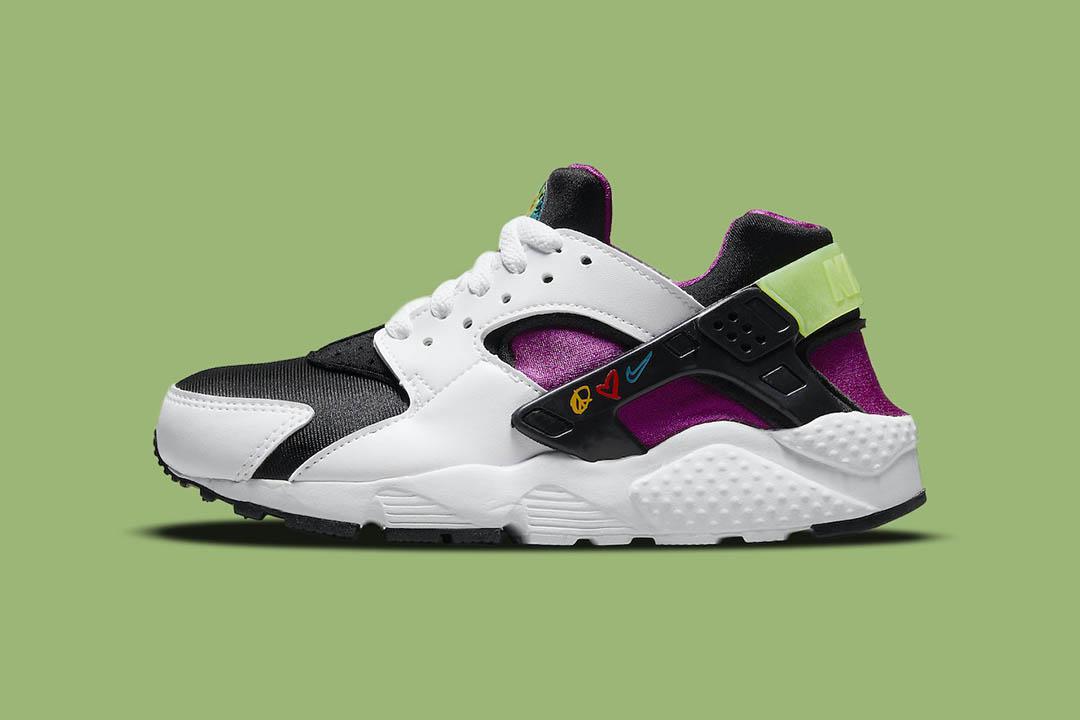 "Nike Air Huarache ""Peace, Love, Swoosh"" DM8156-100"