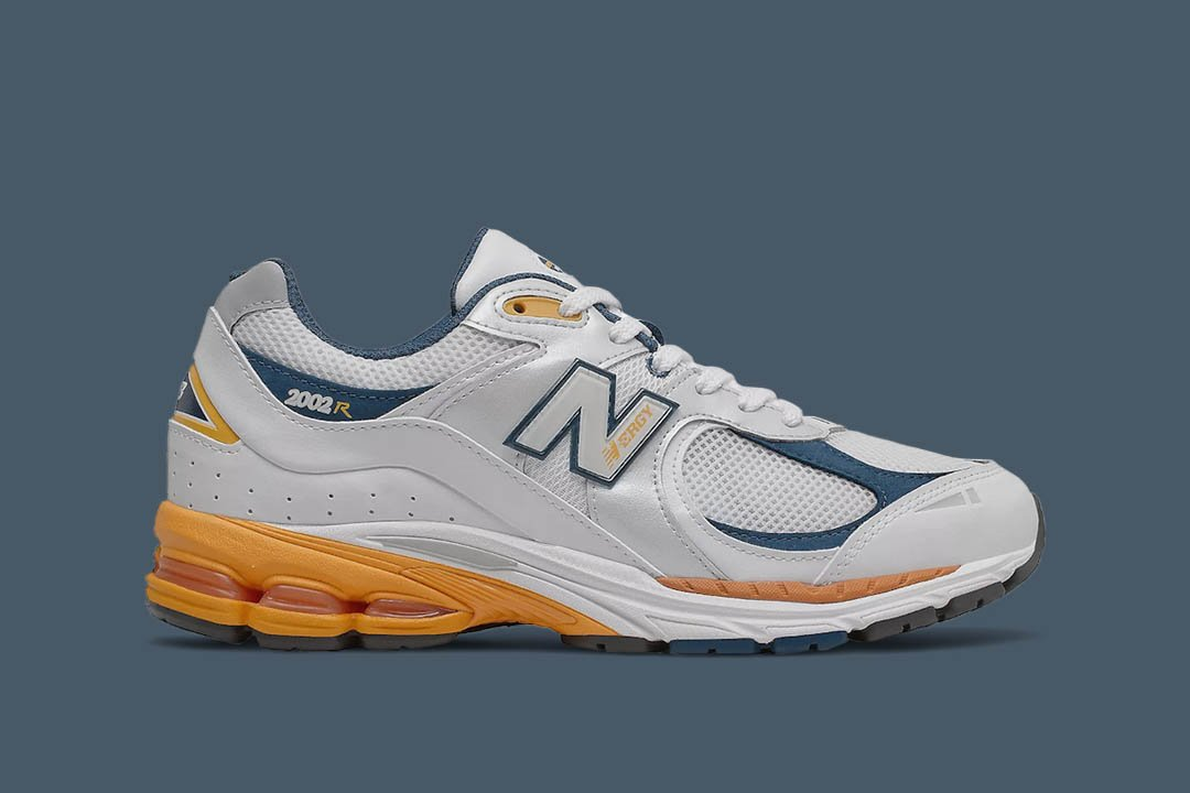 New Balance 2002R M2002RLA