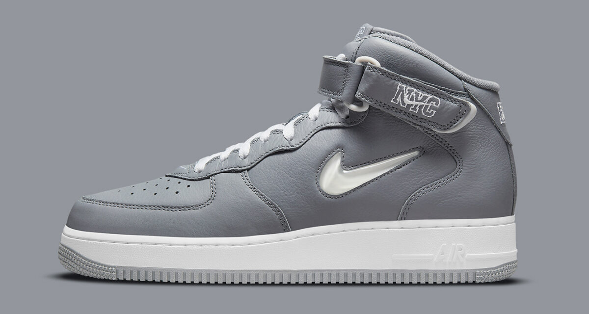 """Nike Air Force 1 Mid """"NYC"""" DH5622-001"""
